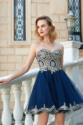 Short Sweetheart A-Line Sleeveless Appliques Prom Dress