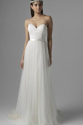 Lace Lace-up Natural Waist Tulle Sheath Wedding Dress