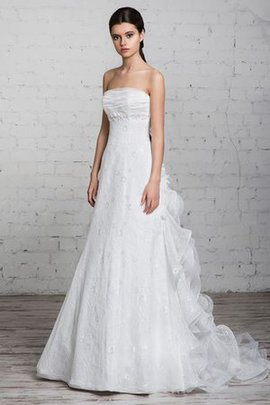 Sleeveless Floor Length A-Line Lace Strapless Wedding Dress