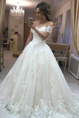 Romantic Short Sleeves Appliques Rectangle Hall A-Line Fascinating Wedding Dress