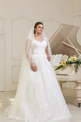 Sleeveless Ruched Lace Fabric Lace-up Natural Waist Wedding Dress