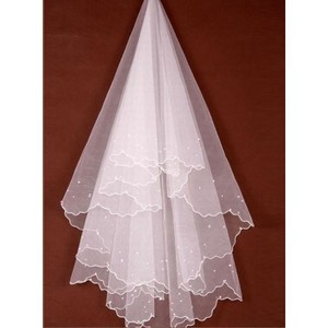 Beading Luxurious Short Bridal Veils - 1
