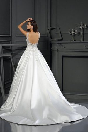 Chapel Train Appliques Zipper Up Ball Gown Empire Waist Wedding Dress - 2