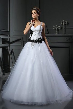 Spaghetti Straps Lace-up Chapel Train Appliques Tulle Wedding Dress - 1