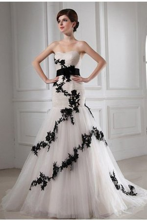 Lace-up Tulle Appliques Empire Waist Sleeveless Wedding Dress - 1