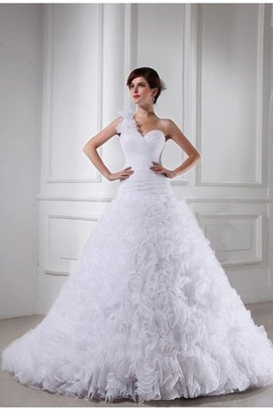 Sleeveless Sweetheart Long Organza Chapel Train Wedding Dress - 1