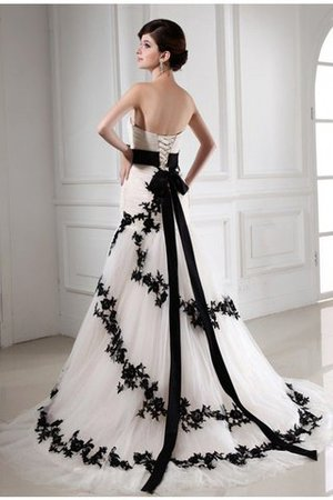 Lace-up Tulle Appliques Empire Waist Sleeveless Wedding Dress - 2