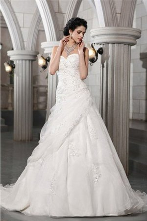 Appliques Princess Sleeveless Beading Chapel Train Wedding Dress - 1