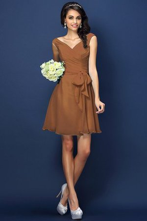 Zipper Up A-Line V-Neck Short Bridesmaid Dress - 4