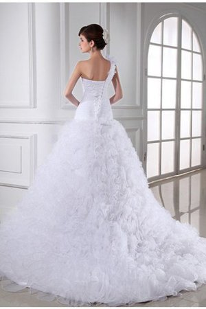 Sleeveless Sweetheart Long Organza Chapel Train Wedding Dress - 2