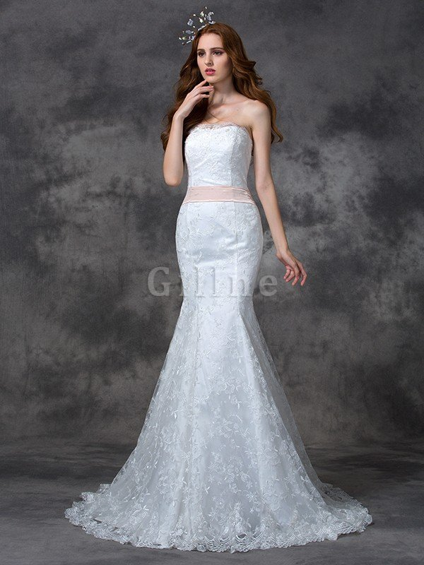 Backless Mermaid Lace Court Train Wedding Dress