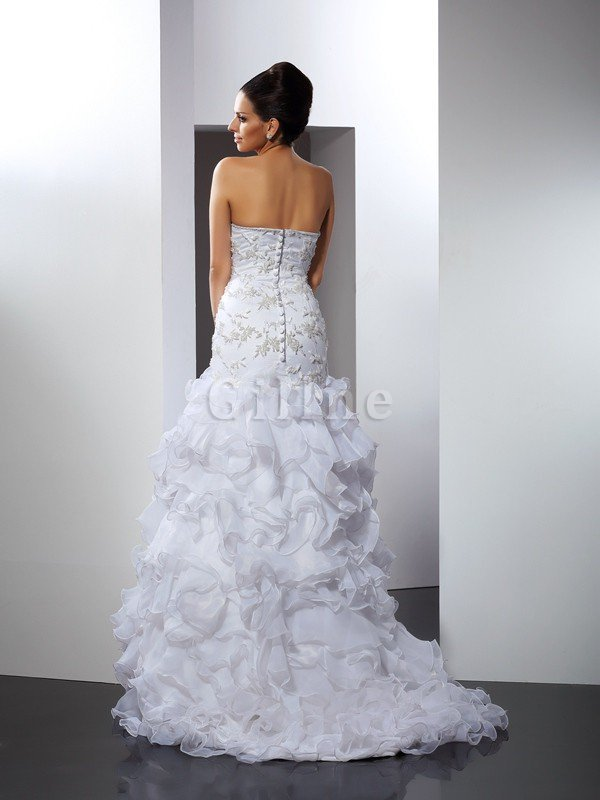 Sleeveless Empire Waist Sweetheart Long Chapel Train Wedding Dress