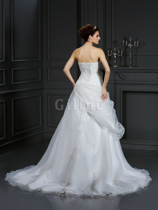 Sweetheart Court Train Organza Sleeveless Lace-up Wedding Dress