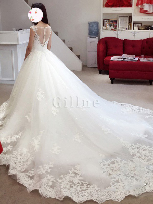 Court Train Tulle Bateau Lace-up Appliques Wedding Dress