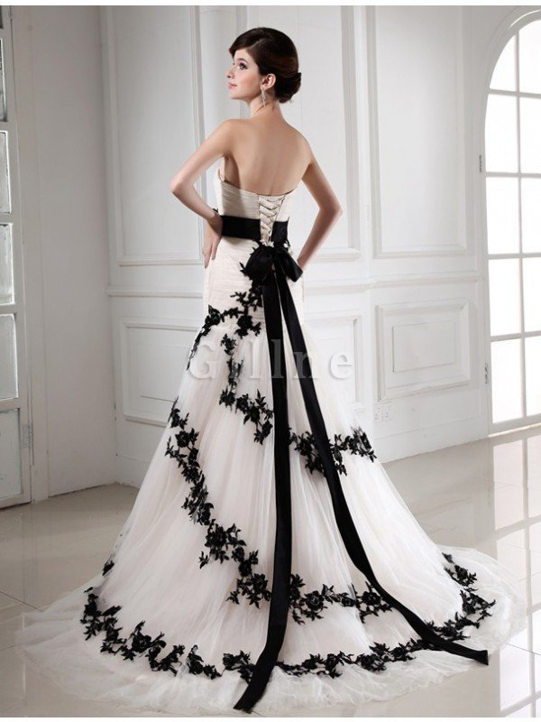 Lace-up Tulle Appliques Empire Waist Sleeveless Wedding Dress