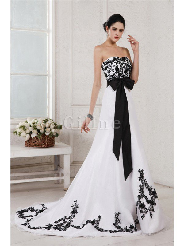 Embroidery Sleeveless Long Court Train Wedding Dress