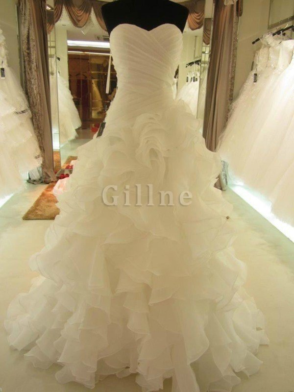 Sweetheart Organza Natural Waist Ball Gown Sleeveless Wedding Dress