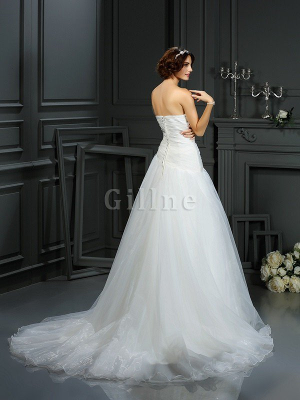 Court Train Sleeveless A-Line Sweetheart Beading Wedding Dress